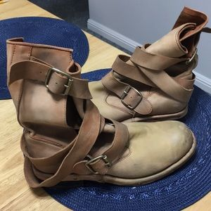 NWOT Jeffrey Campbell Slouch Wrap Boots